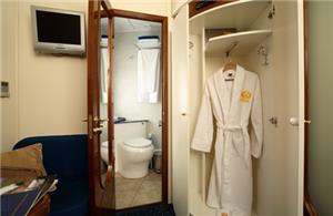 Private bathroom, Gold Class