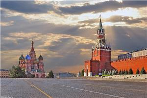 Walk through the Red Square in Moscow