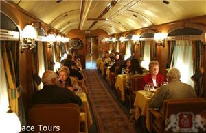 Dining car on board El Transcantábrico