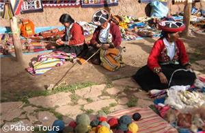 Chincheros weaving demonstration, Cusco