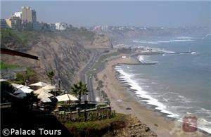 A view of the Pacific Ocean and Miraflores