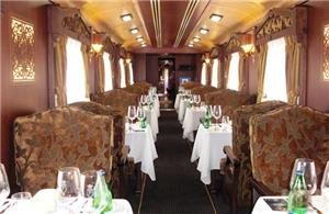 Dining car on board the Gran Lujo