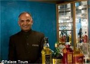 The bar on board, Palace on Wheels