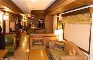 Safari Bar Car on board the Maharajas Express