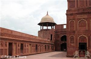 Watch tower Agra Fort