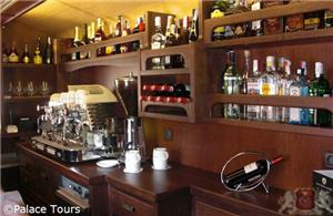 El Transcantabrico Gran Lujo on board bar